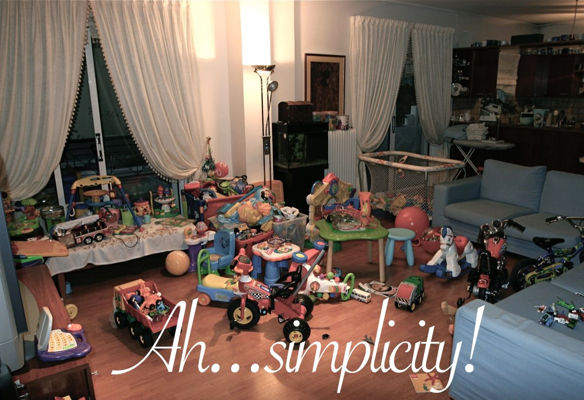 Simple Living Room Interior Design: Simple Living With Kids